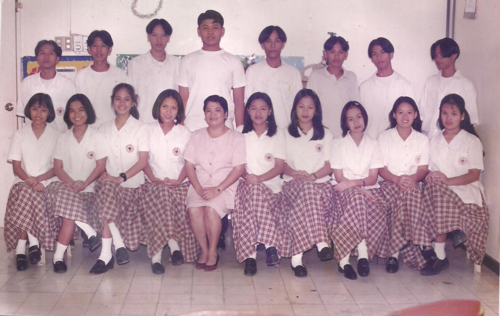Class picture of MSC High Schools first batch of graduates, the class of 1998.
