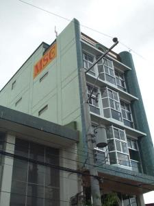 EL COCO building